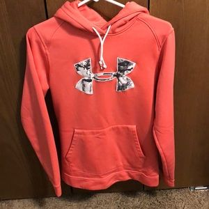 Women's Under Armour Sz S hoodie pink